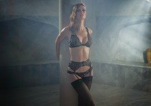 AGENT-PROVOCATEUR-SOIREE-AUTUMN-WINTER-2014-3
