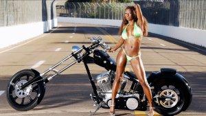 girls-and-moto-16