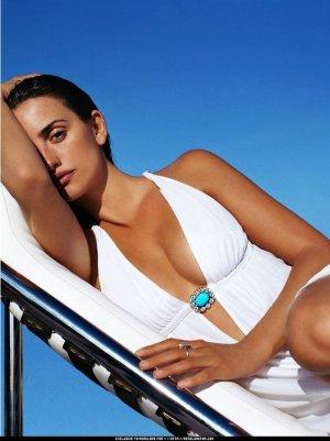 01f3ca526ab16727258b4f2045d4fa55 300x401 - Пенелопа Круз (Penelope Cruz) - испанская сексуальность.