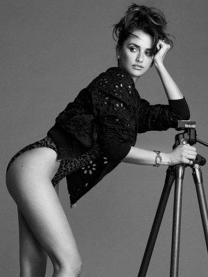 c08f3fe4e51f03c4fb7ea59085950c9a 300x400 - Пенелопа Круз (Penelope Cruz) - испанская сексуальность.