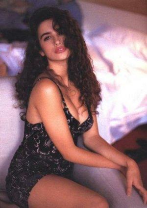 cf829fe8293ea75723168525d062043e 300x424 - Пенелопа Круз (Penelope Cruz) - испанская сексуальность.