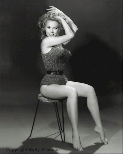 13900181 1228567670500474 7304236950911826381 n - Эталон стиля и красоты 50-х годов прошлого века - Бетти Бросмер (Betty Brosmer).