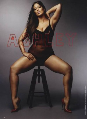 13900363 1231410886882819 2394231831020376958 n 300x409 - Эшли Грем (Ashley Graham)  - страстная топ-модель plus size