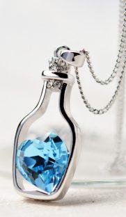 b 2016  181x312 - Ожерелье в виде бутылочки с камнем