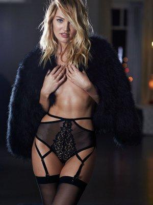 Candice Swanepoel  300x400 - Чувственная  Кэндис Свейнпол (Candice Swanepoel) в соблазнительном белье