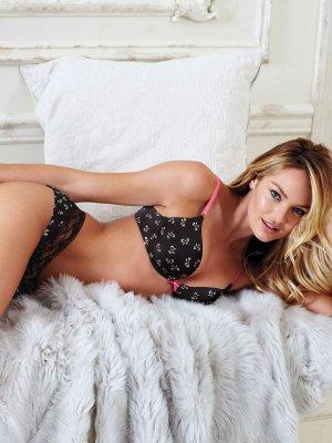 Candice Swanepoel 12 300x400 - Чувственная  Кэндис Свейнпол (Candice Swanepoel) в соблазнительном белье