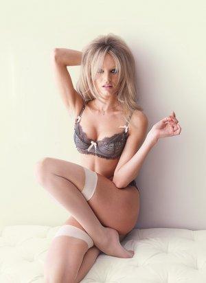 Candice Swanepoel 40 300x412 - Чувственная  Кэндис Свейнпол (Candice Swanepoel) в соблазнительном белье