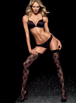 Candice Swanepoel69 300x404 - Чувственная  Кэндис Свейнпол (Candice Swanepoel) в соблазнительном белье