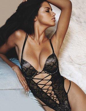 Adriana Lima 18 300x386 - Адриана Лима (Adriana Lima) в сексуальном белье