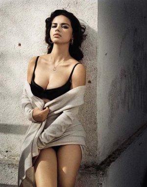 Adriana Lima 2 300x383 - Адриана Лима (Adriana Lima) в сексуальном белье