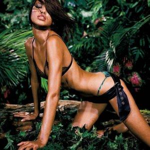 Adriana Lima 25 300x300 - Адриана Лима (Adriana Lima) в сексуальном белье