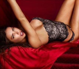 Adriana Lima 26 300x261 - Адриана Лима (Adriana Lima) в сексуальном белье