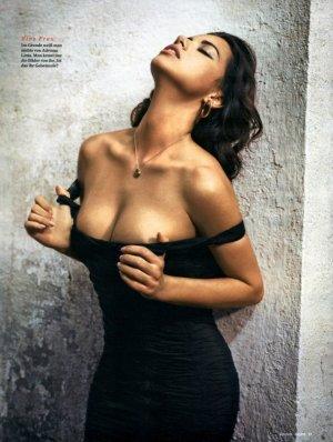 Adriana Lima 28 300x398 - Адриана Лима (Adriana Lima) в сексуальном белье
