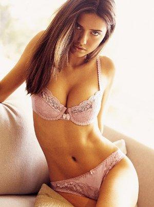 Adriana Lima 300x404 - Адриана Лима (Adriana Lima) в сексуальном белье