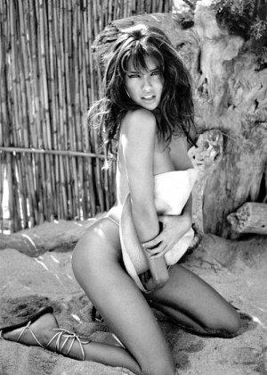 Adriana Lima 31 300x420 - Адриана Лима (Adriana Lima) в сексуальном белье