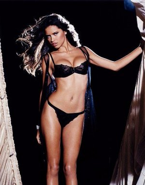 Adriana Lima 34 300x381 - Адриана Лима (Adriana Lima) в сексуальном белье