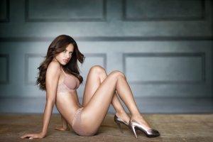Adriana Lima 44 300x200 - Адриана Лима (Adriana Lima) в сексуальном белье