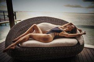 Alessandra Ambrosio 10 300x200 - Бразильская супермодель Алессандра Амбросио (Alessandra Ambrosio) в откровенном белье