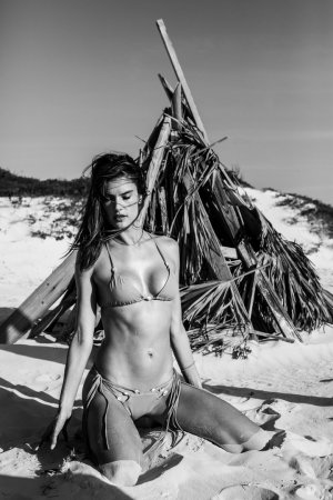 Alessandra Ambrosio 2 300x450 - Бразильская супермодель Алессандра Амбросио (Alessandra Ambrosio) в откровенном белье