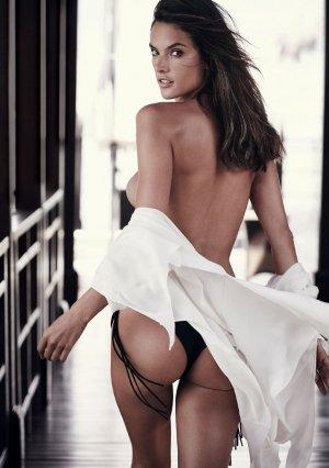 Alessandra Ambrosio 20 300x426 - Бразильская супермодель Алессандра Амбросио (Alessandra Ambrosio) в откровенном белье