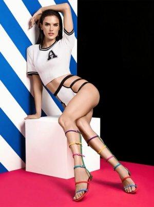 Alessandra Ambrosio 21 300x404 - Бразильская супермодель Алессандра Амбросио (Alessandra Ambrosio) в откровенном белье
