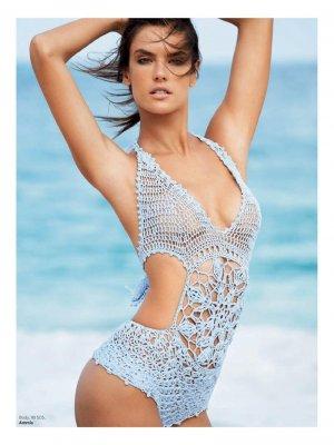 Alessandra Ambrosio 4 300x400 - Бразильская супермодель Алессандра Амбросио (Alessandra Ambrosio) в откровенном белье