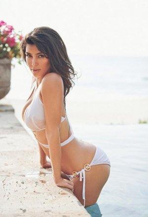Kim Kardashian 6 300x440 - Ким Кардашьян (Kim Kardashian) - лицо и формы современного гламура.