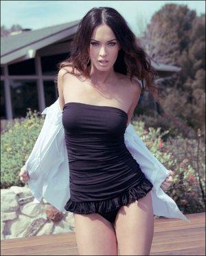 Megan Fox 10 300x372 - Самые горячие фото Меган Фокс (Megan Fox) в нижнем белье.