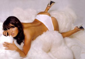 Megan Fox 19 300x208 - Самые горячие фото Меган Фокс (Megan Fox) в нижнем белье.