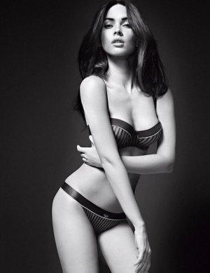 Megan Fox 22 300x389 - Самые горячие фото Меган Фокс (Megan Fox) в нижнем белье.