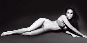 Megan Fox 6 300x151 - Самые горячие фото Меган Фокс (Megan Fox) в нижнем белье.