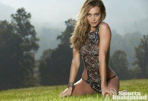 Hannah Jater Devis 17 flirtoshop.com .ua 800x800 300x205 - Ханна Джетер (Hannah Jater)  в лучших сексуально спортивных образах.