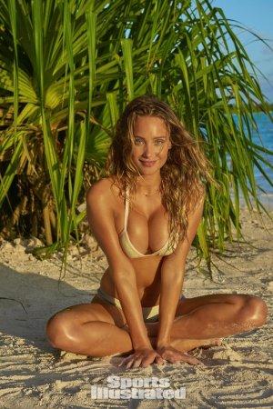 Hannah Jater Devis 23 flirtoshop.com .ua 800x800 300x450 - Ханна Джетер (Hannah Jater)  в лучших сексуально спортивных образах.