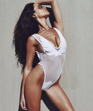 Katrina Brodsky 04 300x356 - Катрина Бродски - спортсменка, блогер и просто красотка в эротичном белье