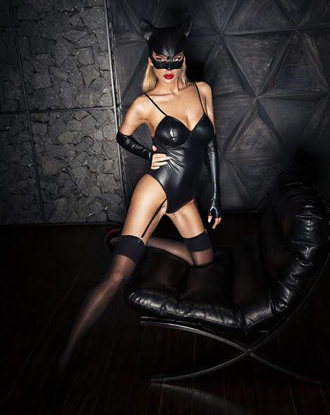 flirtoshop.com.ua 2 - Боди под мокрую кожу с подтяжками для чулок и перчатками
