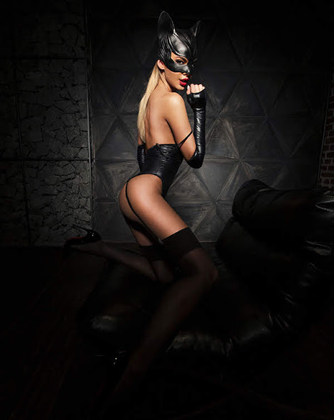 flirtoshop.com.ua 4 - Боди под мокрую кожу с подтяжками для чулок и перчатками