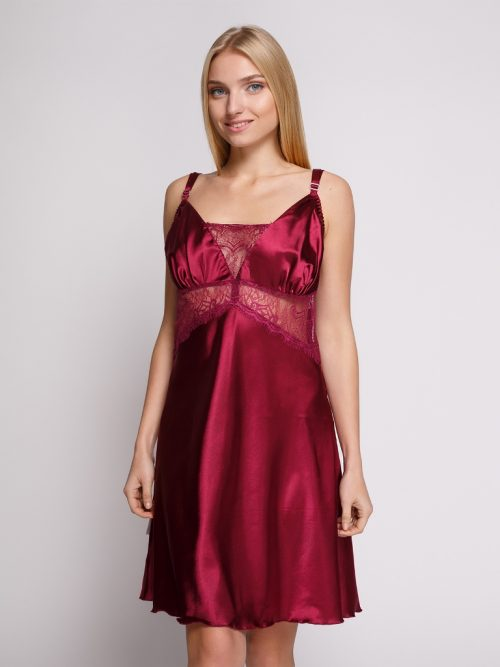 serenade flirtoshop.com.ua 1 500x667 - Сорочка из шелка с кружевом большого размера Serenade